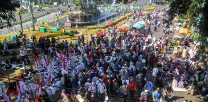 Ribuan Peserta Aksi Kawal MK Sudah Berkumpul Di Kawasan Patung Kuda